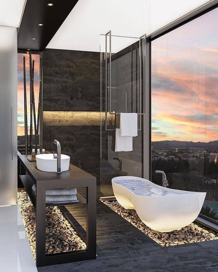 banheiro moderno com banheira original